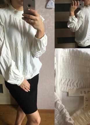 Бело молочная блуза esprit размер: l