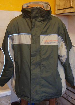Куртка зелено-бежевая водонепронецаемая на флисе extrime 122-128 см