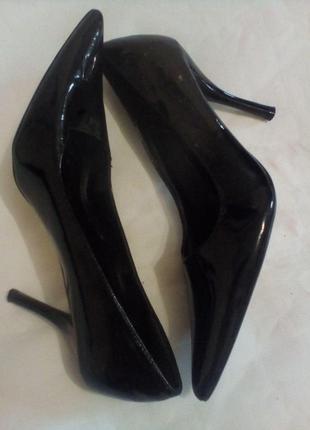 Туфли лодочки лаковые женские нарядные wild diva 37.5- 38размер