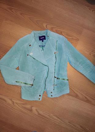 Замшевая куртка нежного мятного цвета mexx