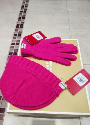 Наборчик шапка + перчатки от reebok