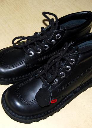 Kickers – кожаные демисезонные ботинки, цвет чёрный, размер 39 (стелька 24,5 см), англия