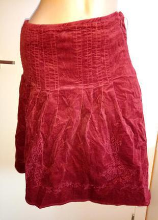 Бордовая юбка до колен, юбка с вышивкой демисезонная миди reserver