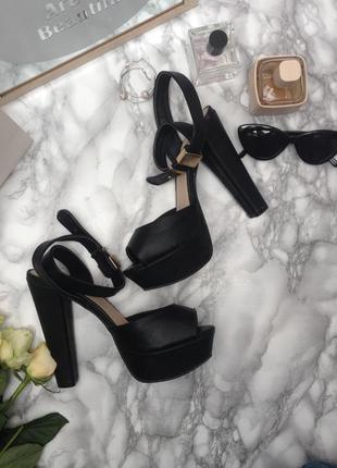 💖шикарные кожаные босоножки на  устойчивом каблуке