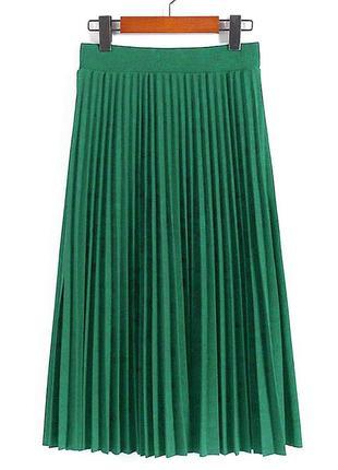 Зелёная плиссированная юбка