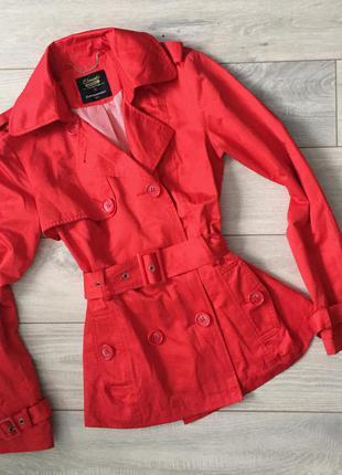Красное пальто - тренч от clockhouse . двубортное пальто
