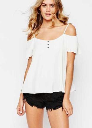 New look. модная тенденция открытые плечи. на наш размер 50.
