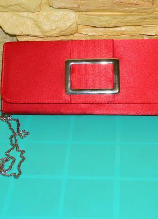 Новый красный клатч на цепочке