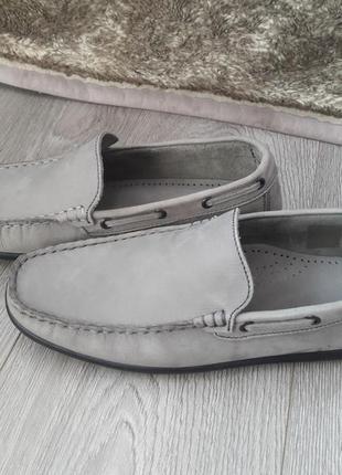 Туфлі чоловічі, натуральна шкіра. підходить на вузьку чоловічу ногу