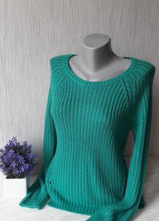 Яркий свитер peacocks