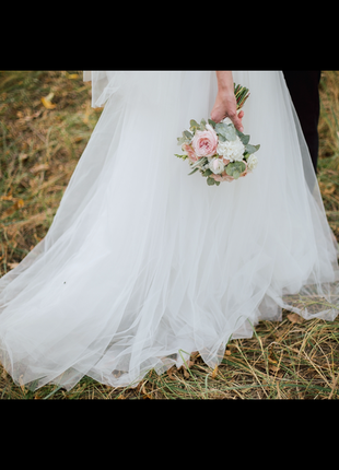 Нежное воздушное свадебное платье белого цвета8 фото
