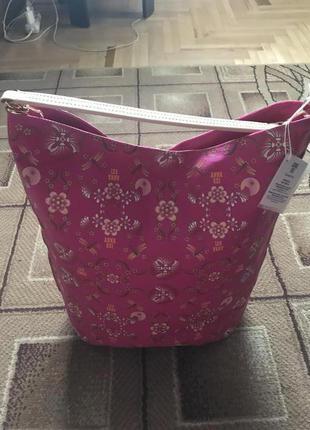 Яскрава жіноча сумка
