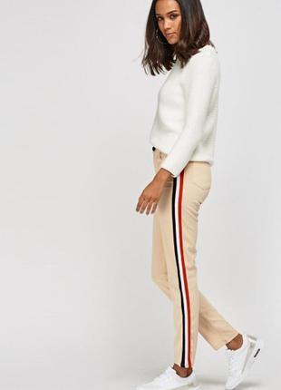 Трендовые брюки с лампасами  m sale