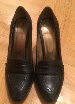Элегантные, черные туфли braska!!!