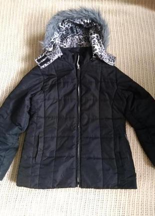 Курточка,холодная  весна-осень