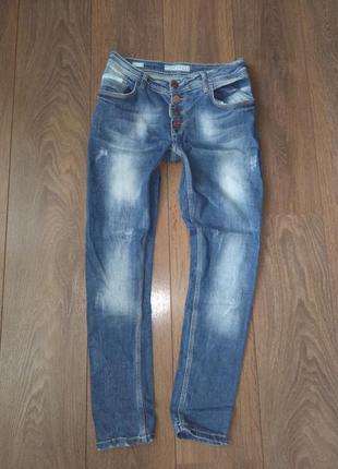 Продам фирменные джинсы liuzin