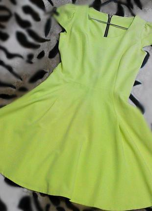 Классное салатовое  платье