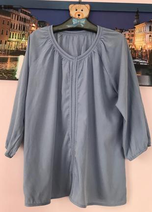 Нежно голубая блуза