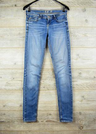 Синие джинсы от denim co