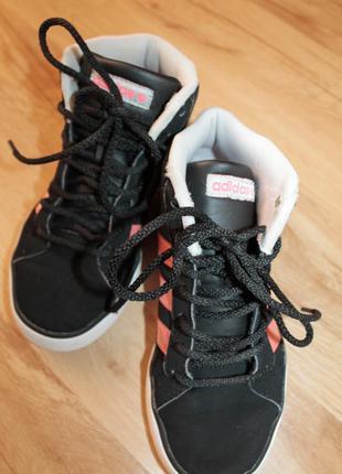 Ботинки adidas, размер 33