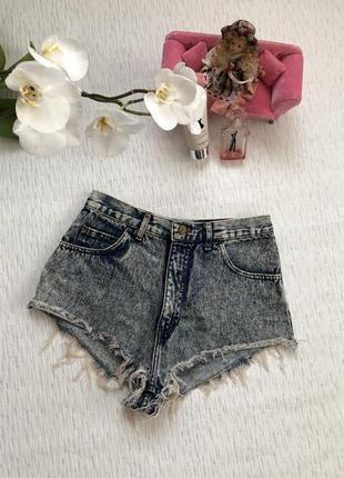 Эффектные джинсовые шорты высокая посадка. крутые