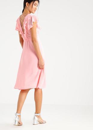 Найніжніша сукня зефірного відтінку, на запах і з шнуровкою на спинці