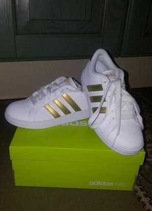 Кроссовки adidas neo для девочки (размер 30)