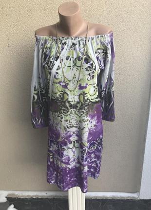 Очень красивое,итальянское,плюшевое,бархатное платье с открытыми плечами,по груди стразы.