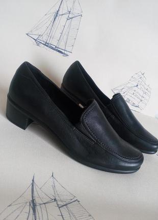 Ecco 100%. кожание, удобние туфли на низком каблуке. 39 рр
