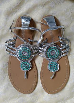 Стильные сандали accessorize с бисером и стразами