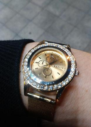 Новые часы mohito золотистые