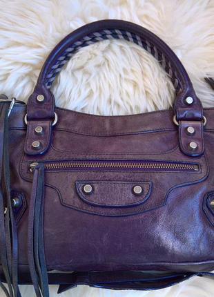 Кожаная сумка balenciaga.
