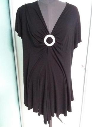 Черная удлиненная футболка (туника) большого размера