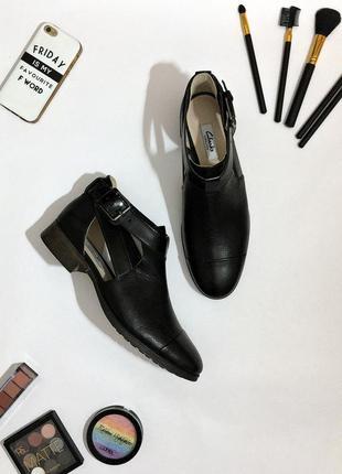 Кожаные туфли clarks busby fresh