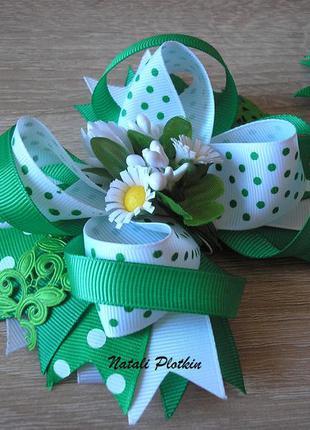 Бантики бело-зеленые в зеленый горошек