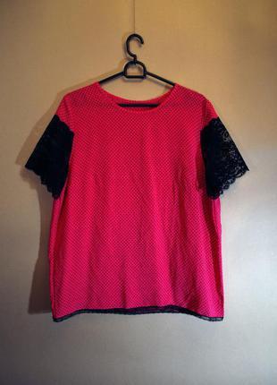 Малиновая шелковая блузка в горошек