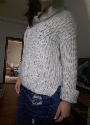 Фирменный обьемный свитер h&m
