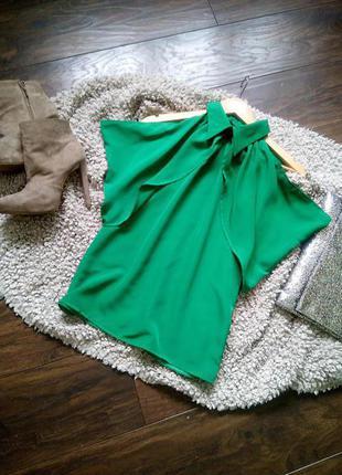 Стильная блуза зеленого цвета