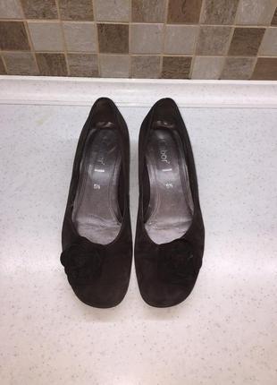Шикарные замшевые туфли gabor р.39 по стельке 25,5 см.