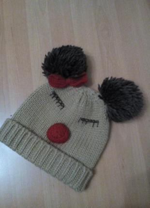 Яркая шапочка на маленькую стилягу