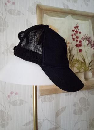 Черная кепка бейсболка