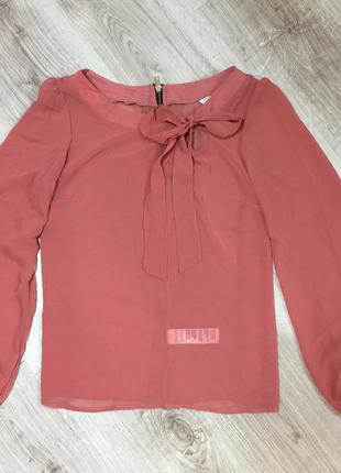 Очень красивая блуза new look