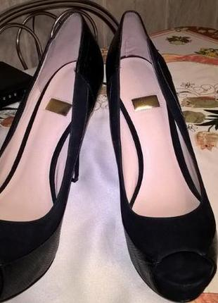 Туфли с открытым носочком guess 40 р, 26,5 см