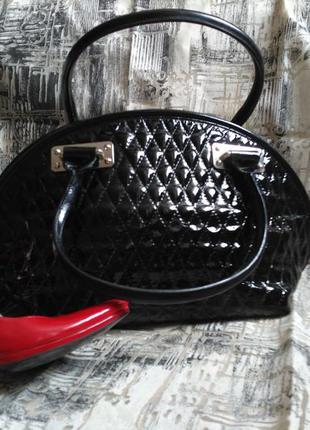 Шикарная лаковая сумка саквояж di gregorio