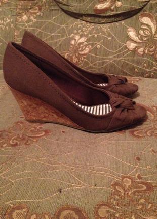 Супер літні туфельки з відкритим носиком....
