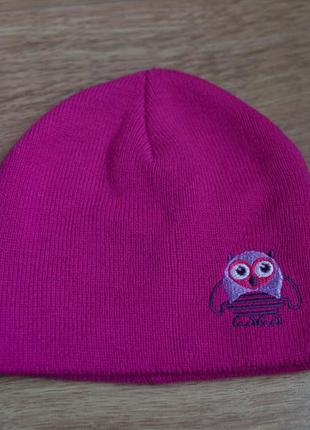 Розовая шапка с вышитой совой