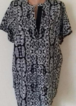 Льняная блуза с принтом большого размера