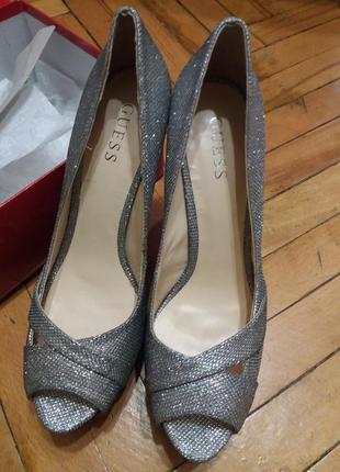 Туфли серебро на каблуке, платформа guess - р. 39,5-40, оригинал сша