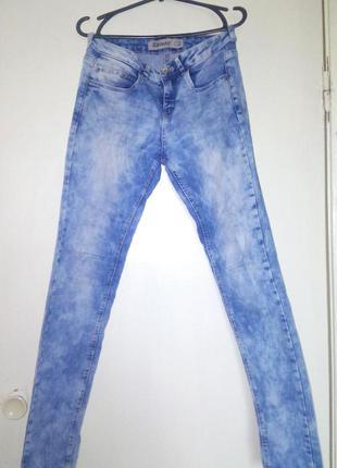Джинсы-варёнки небесно-голубого цвета