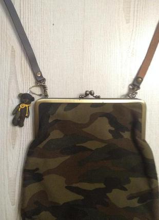 Стильная сумочка с мишкой ручной работы. производство япония